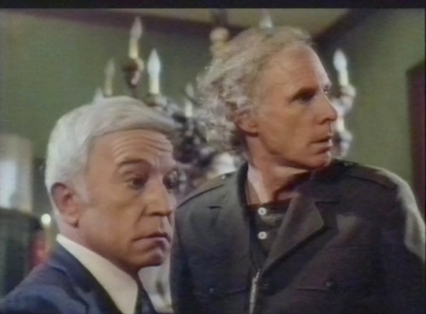 Henry Gibson and Bruce Dern