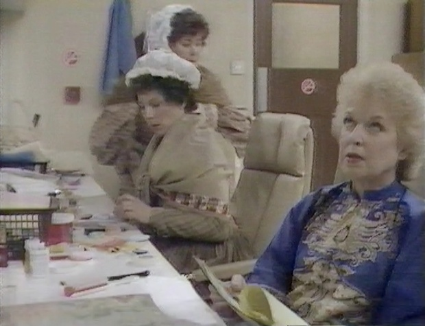 The Extras meet June Whitfield