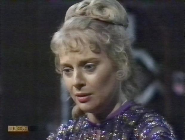 Caroline Holdaway as Piri