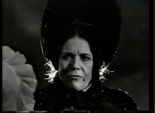 Diana Rigg in Oliver II