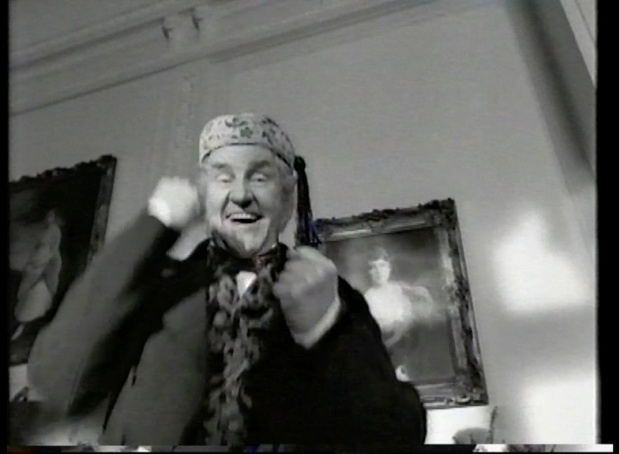 Richard Briers in Oliver II
