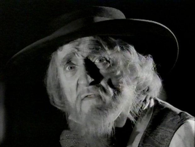 Ron Moody in Oliver II