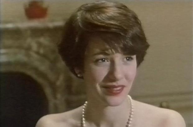 Carolyn Farina