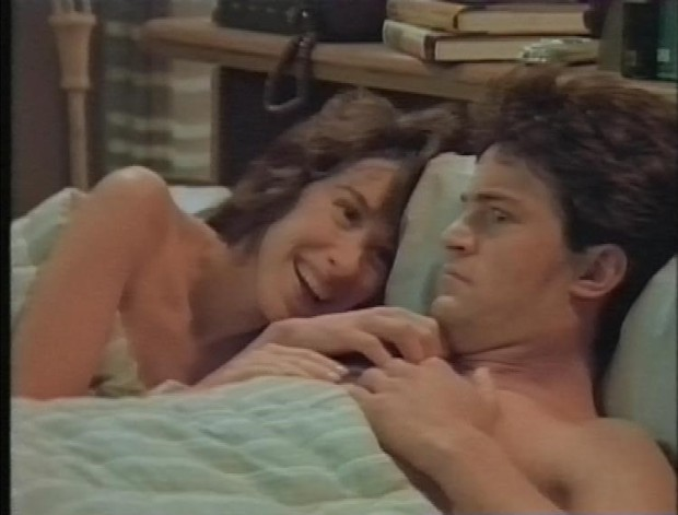 Maggie Wheeler and Matthew Perry