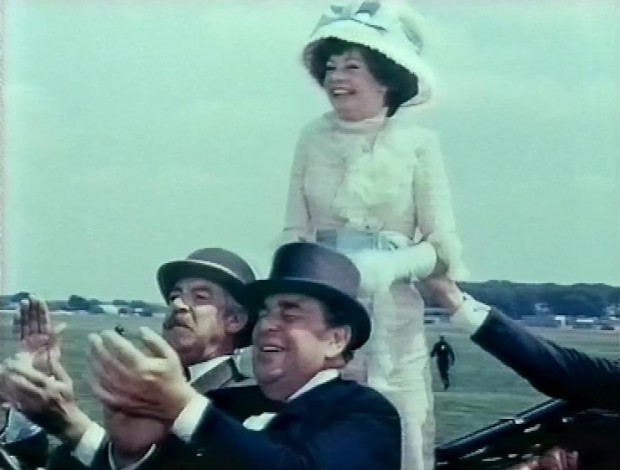 Sarah Miles and Robert Morley